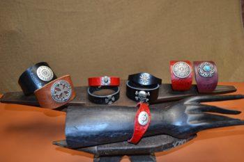 bracelets cuir et métal