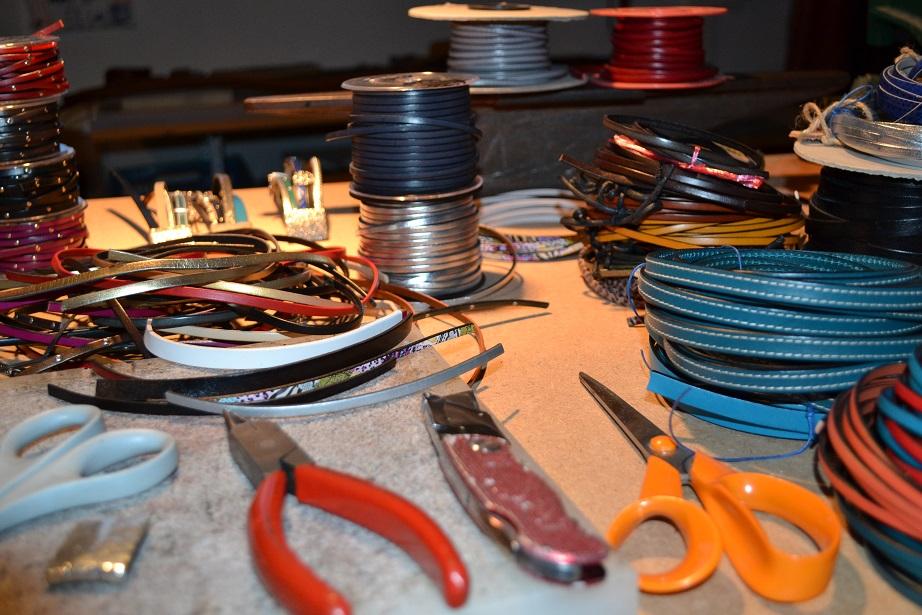 Bijoux en cuir – fabrication artisanale